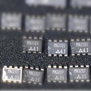 松下製 MN3207 x 2個 + MN3101 x 1個  set(エフェクター)