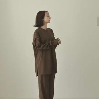 新品未使用【louren】shoulder cut over blouse