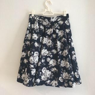 INGNI - 【美品】INGNI スカート 花柄 ネイビー 膝丈 紺 フラワー M