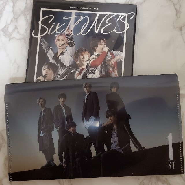 Johnny's(ジャニーズ)の素顔4 SixTONES盤  新品・未開封 ふた付きマルチケース付 エンタメ/ホビーのDVD/ブルーレイ(アイドル)の商品写真