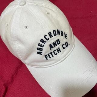 アバクロンビーアンドフィッチ(Abercrombie&Fitch)のアバクロキャップ【定番モデル.ホワイト.最終価格】(キャップ)