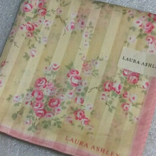 LAURA ASHLEY - ローラアシュレイ☆大判ハンカチーフ58×58