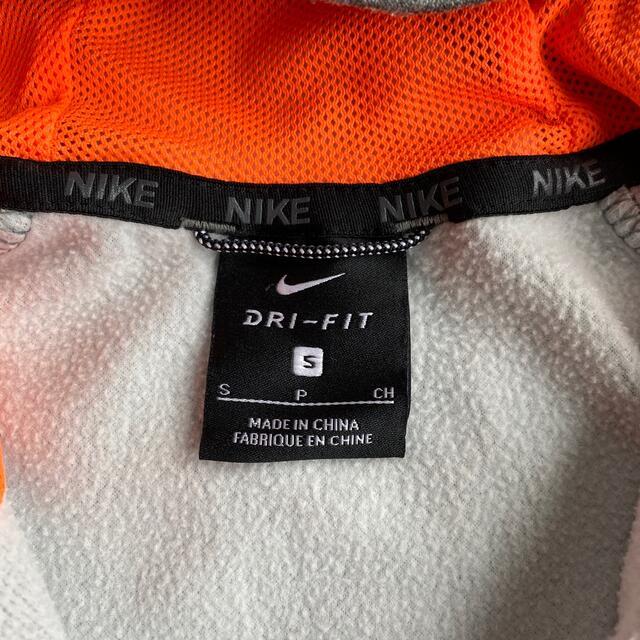 NIKE(ナイキ)の【値下げ】NIKE キッズ140 防風ドライパーカー キッズ/ベビー/マタニティのキッズ服男の子用(90cm~)(ジャケット/上着)の商品写真