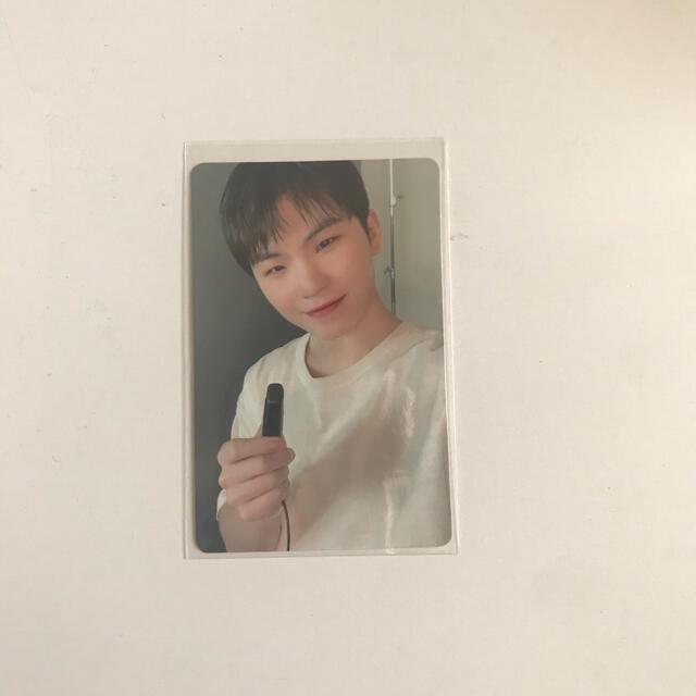 SEVENTEEN(セブンティーン)のSEVENTEEN ウジ carat盤 トレカ エンタメ/ホビーのCD(K-POP/アジア)の商品写真