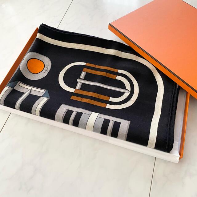 Hermes(エルメス)のご専用 HERMES カシシル ショール 140 カレ・アン・ブックル レディースのファッション小物(マフラー/ショール)の商品写真