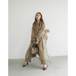アメリヴィンテージ(Ameri VINTAGE)のRANDEBOO  RB monogram trench coat(トレンチコート)
