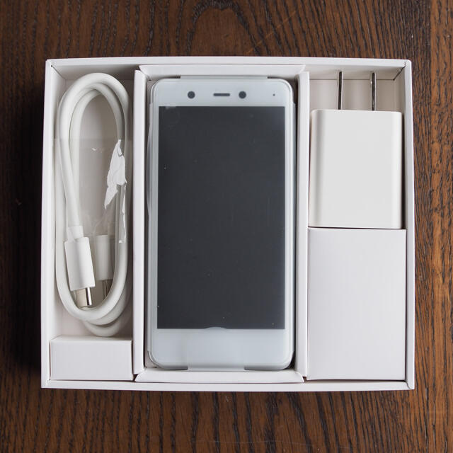 Rakuten(ラクテン)の新品 Rakuten mini 楽天ミニ ケース フィルム付き スマホ/家電/カメラのスマートフォン/携帯電話(スマートフォン本体)の商品写真