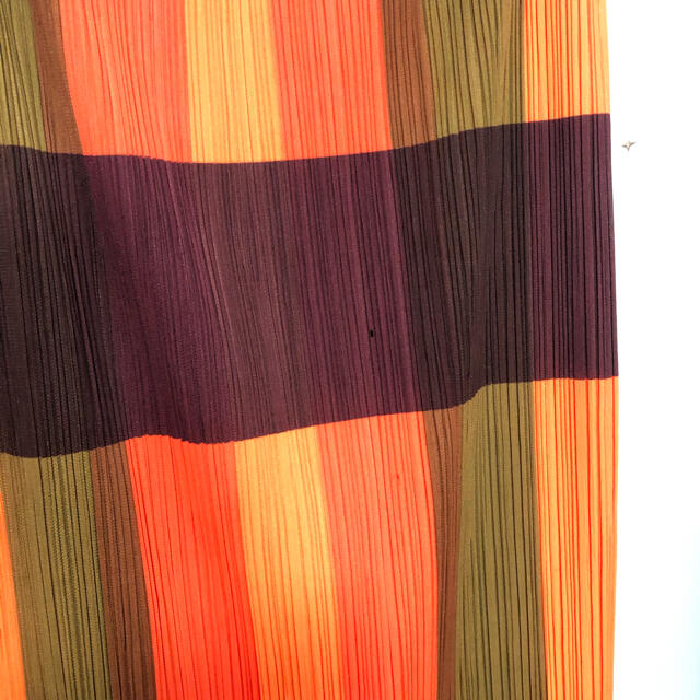 PLEATS PLEASE ISSEY MIYAKE(プリーツプリーズイッセイミヤケ)のプリーツプリーズ 訳ありスカート レディースのスカート(ロングスカート)の商品写真