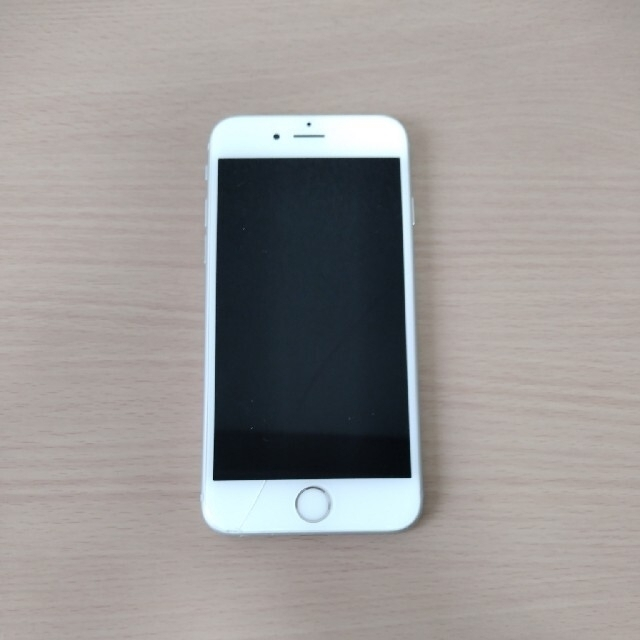 iPhone(アイフォーン)のiPhone6s 本体 64GB シルバー SIMフリー スマホ/家電/カメラのスマートフォン/携帯電話(スマートフォン本体)の商品写真