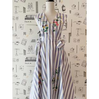 チェスティ フラワー刺繍ジャンパースカート