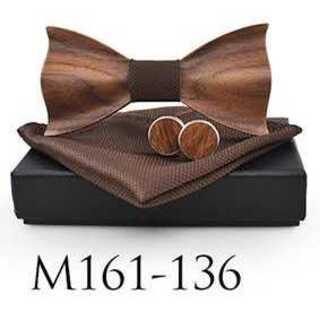 ウッドの蝶ネクタイ カフスボタン ブラウンハンカチーフの3点セット