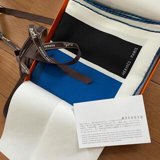 エルメス(Hermes)の入手困難❣️新品タグ付き❣️今週購入❣️正規エルメスシルクスカーフカレ 70(バンダナ/スカーフ)
