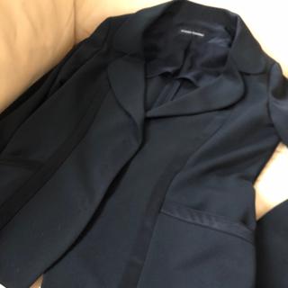 ヒロココシノ(HIROKO KOSHINO)の細身黒ジャケット サイズ38   サテン使い(テーラードジャケット)