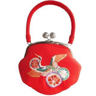新品送料込み IKKO 刺繍入りがま口バッグ 赤  がまぐち BAG054(ハンドバッグ)