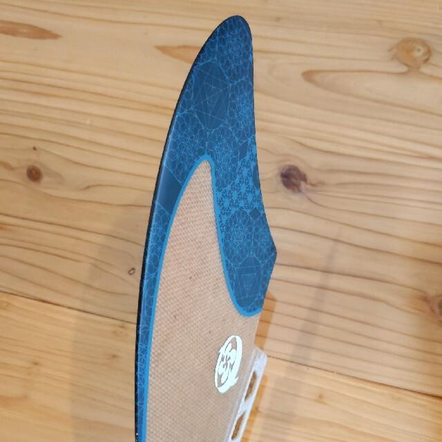 ラスタ ツインフィン 美品 サーフィン フューチャーフィン スポーツ/アウトドアのスポーツ/アウトドア その他(サーフィン)の商品写真