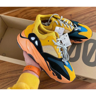 "adidas originals Yeezy Boost 700 ""sun""(スニーカー)"