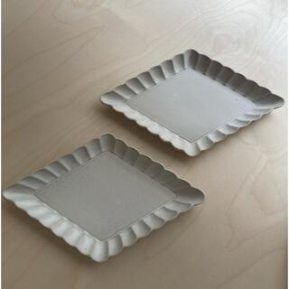 mina perhonen - よしざわ窯 ホワイト花菱皿