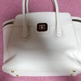 ポーラ(POLA)の★大幅値下げ★  白い手提げバッグ (バッグ/レッスンバッグ)