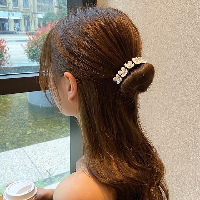 ヘアアクセサリー 髪留め まとめ髪 ヘアアクセサリー レディースのヘアアクセサリー(バレッタ/ヘアクリップ)の商品写真