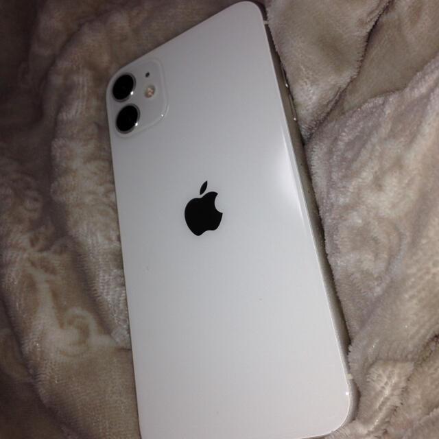 iPhone(アイフォーン)のiPhone11 64GB 16.17日限定! スマホ/家電/カメラのスマートフォン/携帯電話(スマートフォン本体)の商品写真