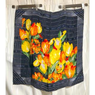 バレンシアガ(Balenciaga)のBALENCIAGA  絹100% 大判スカーフ(バンダナ/スカーフ)