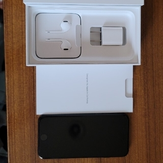iPhone - iphone se 第2世代 64GB simフリー