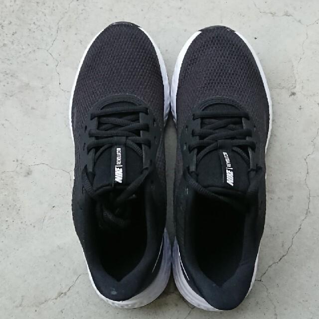 NIKE(ナイキ)のNIKE レボリューション5ウィメンズ レディースの靴/シューズ(スニーカー)の商品写真