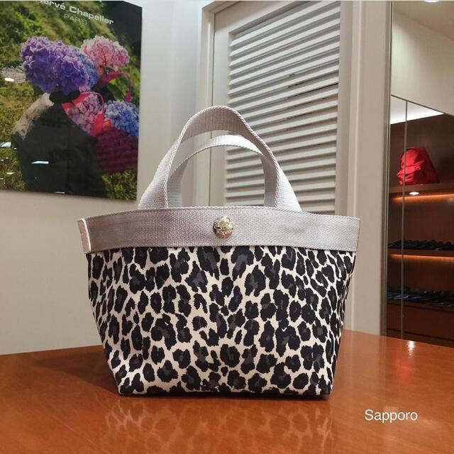 Herve Chapelier(エルベシャプリエ)のHerveChapelier エルベシャプリエ 701FB レディースのバッグ(ハンドバッグ)の商品写真