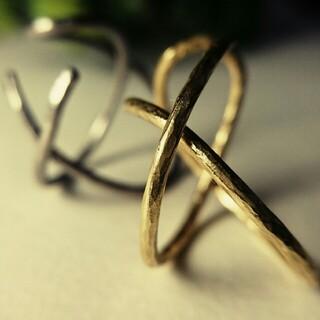 ○真鍮とステンレスのイヤーカフ クロス○Lサイズ○片耳用