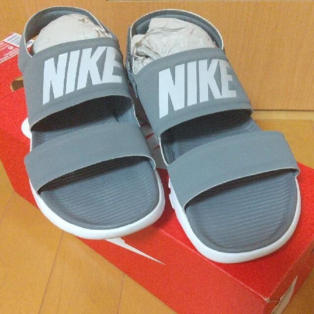 NIKE(ナイキ)のNIKEWIMNS NIKE TANJUN SANDALグレー / 23cm レディースの靴/シューズ(サンダル)の商品写真
