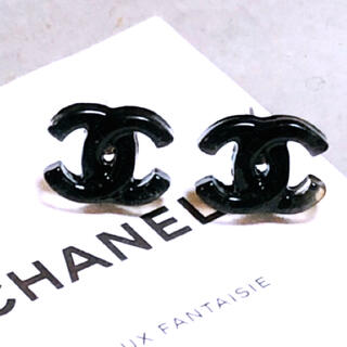 CHANEL - ピアス  ロジウム金具  ブラック