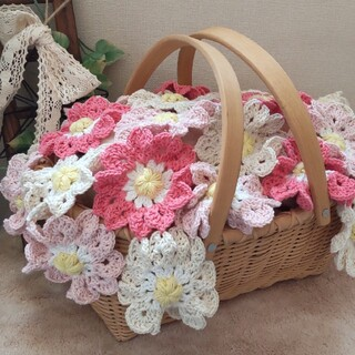ハンドメイド*かぎ針編みお花のマルチカバー*桜色(雑貨)