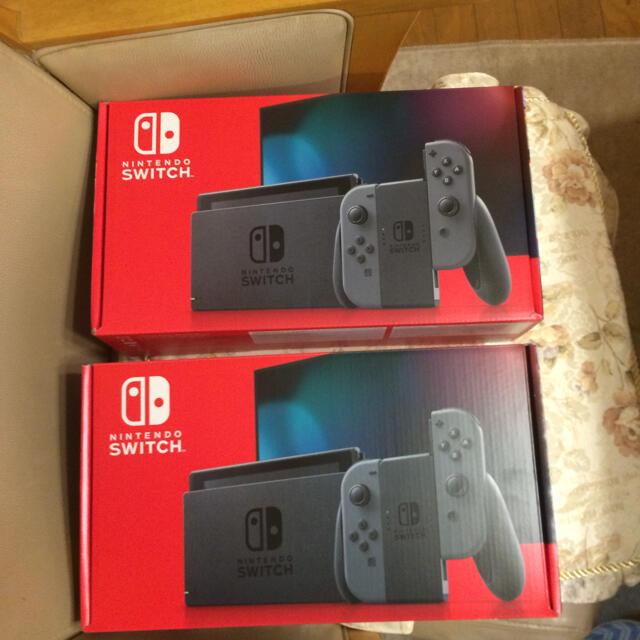 任天堂スイッチ本体未使用品  2個 エンタメ/ホビーのゲームソフト/ゲーム機本体(家庭用ゲーム機本体)の商品写真
