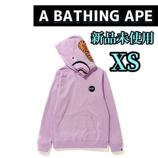 アベイシングエイプ(A BATHING APE)の【激レア‼️】Bape ladies shark pullover hoodie(パーカー)