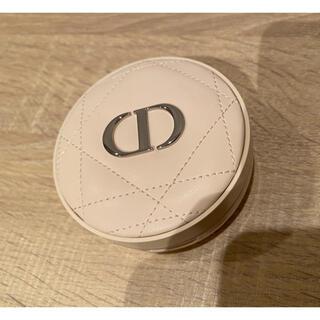 Dior - 【美品】ディオールスキン フォーエヴァー クッション パウダー (ラベンダー)