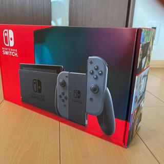 ニンテンドースイッチ(Nintendo Switch)の【新品】新型 Nintendo Switch 任天堂スイッチ 本体 ブラック(家庭用ゲーム機本体)