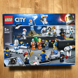 レゴ(Lego)の新品未開封 レゴ シティ ミニフィグセット 宇宙探査隊と開発者たち 60230(知育玩具)