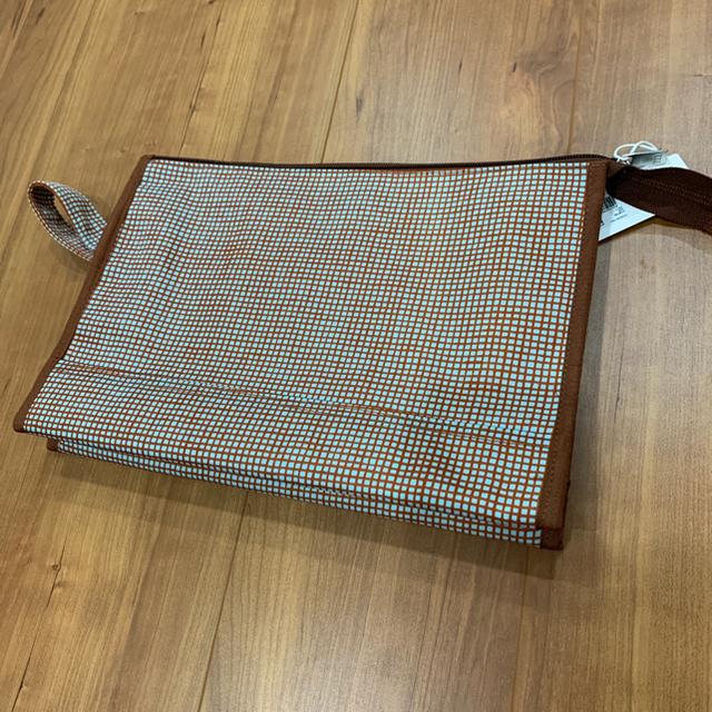 marimekko(マリメッコ)のマリメッコ ポーチ 新品未使用タグつき レディースのファッション小物(ポーチ)の商品写真