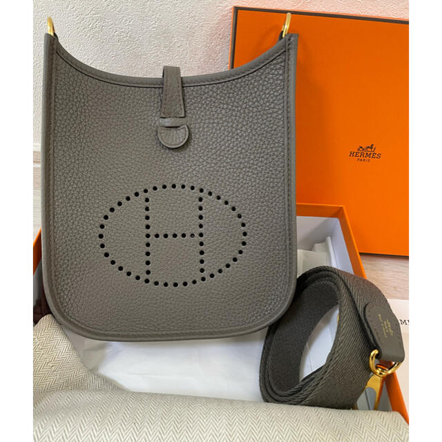 Hermes(エルメス)のHERMES エブリンtpm  エタン✖️ゴールド金具 レディースのバッグ(ショルダーバッグ)の商品写真