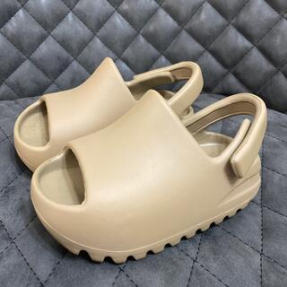 アディダス(adidas)のadidas YEEZY SLIDE 14cm(サンダル)
