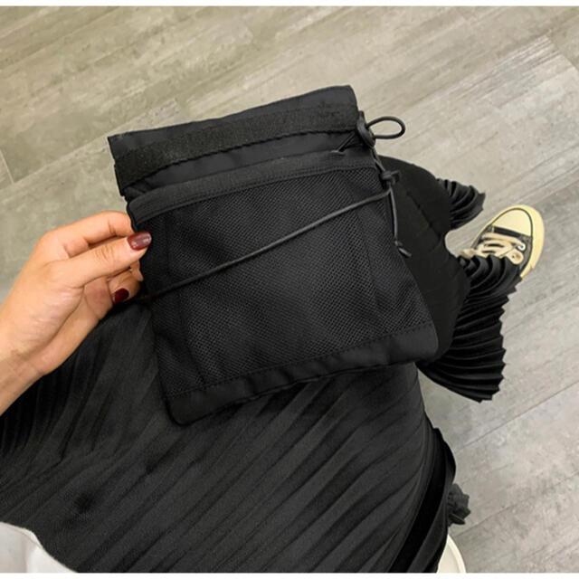 BEAUTY&YOUTH UNITED ARROWS(ビューティアンドユースユナイテッドアローズ)のナイロンサコッシュ 黒 スクエア ショルダーバッグ ボディバッグ スポーツバッグ レディースのバッグ(ショルダーバッグ)の商品写真