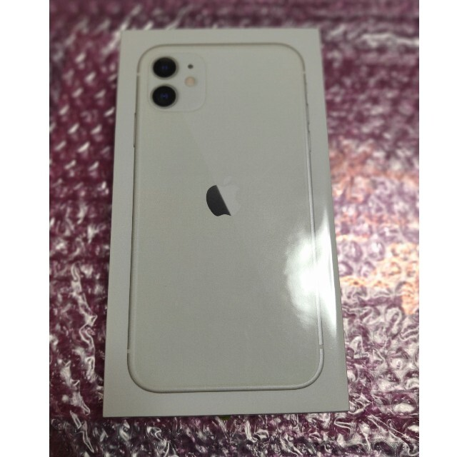 Apple(アップル)のiPhone11 128GB ホワイト スマホ/家電/カメラのスマートフォン/携帯電話(スマートフォン本体)の商品写真