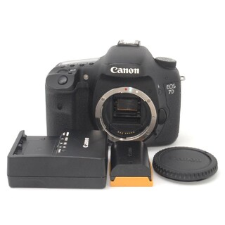 Canon - APS-C一眼レフカメラの最上位機種♪Canon 7D ボディ♪