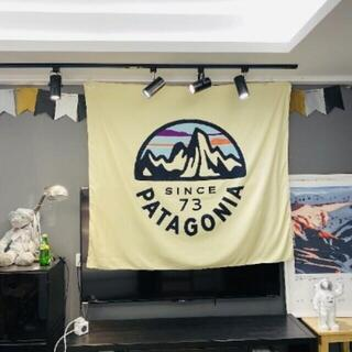 パタゴニア(patagonia)の壁掛けタペストリー ビッグフラッグ Patagonia since 73(その他)