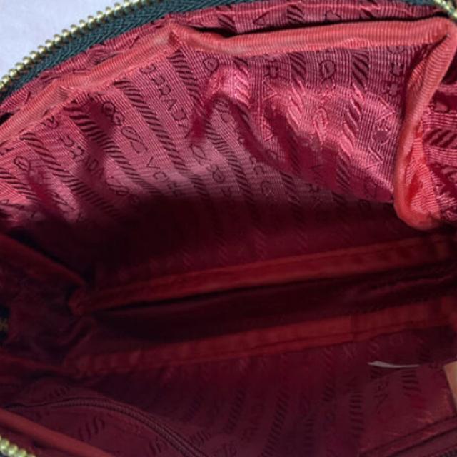 PRADA(プラダ)の新品未使用プラダポーチ レディースのファッション小物(ポーチ)の商品写真