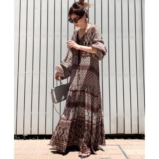 L'Appartement DEUXIEME CLASSE(アパルトモンドゥーズィエムクラス)のBLUE BOHEME  Printed Long Dress ブルーボヘム レディースのワンピース(ロングワンピース/マキシワンピース)の商品写真