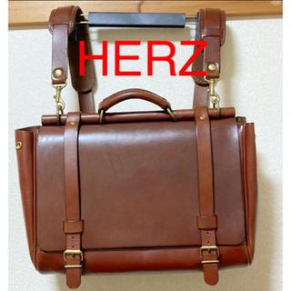 HERZ - 【極美品】ヘルツ(herz) リュック ビジネスバッグ