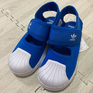 アディダス(adidas)の3.新品 アディダスオリジナルス キッズ サンダルスニーカー 16.0㎝ ブルー(サンダル)