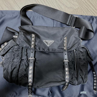 プラダ(PRADA)の日本未発売 プラダ スタッズ ショルダーバッグ 1BL0132(ショルダーバッグ)