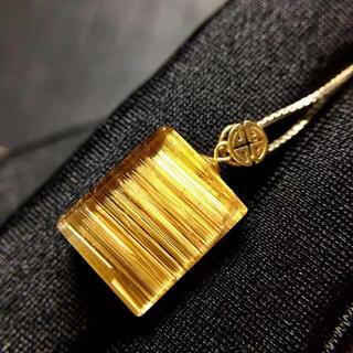 【高級】ゴールド タイチンルチル クォーツ  ペンダントトップ 2.4g(ネックレス)